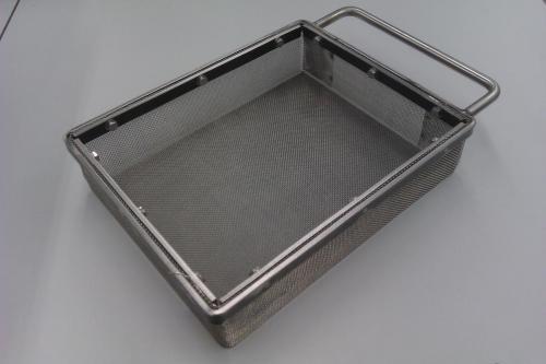 Metalen bak met gaas
