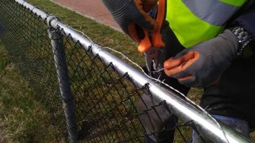 DiMa vervangt hek langs weg 3